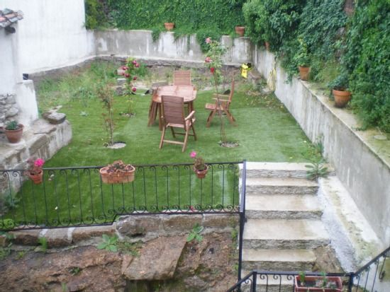 Alojamiento para 2 personas con jardín