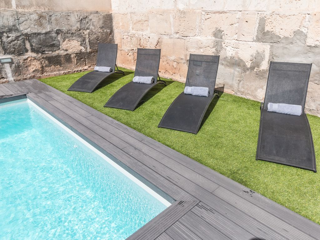 140 m² holiday rental with parking included