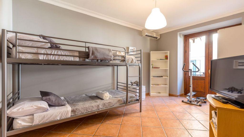 Residencia provista en Palermo