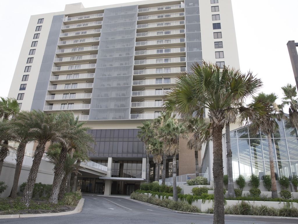 Único apartamento con balcón