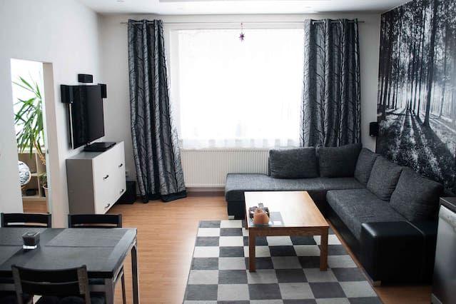 Ferienunterkunft mit 1 Zimmer und Wi-Fi