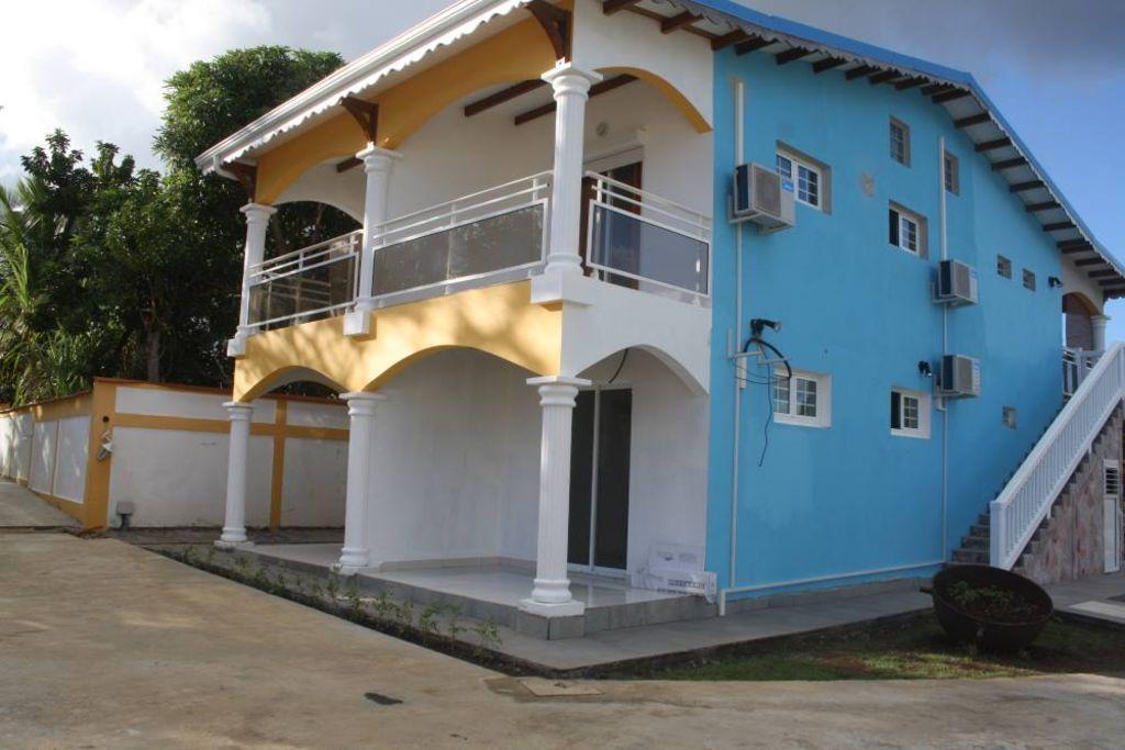 Residencia con balcón de 1 habitación