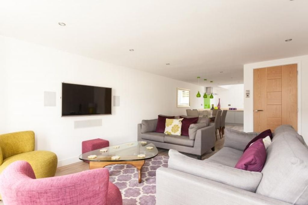 Cosy rental with  Laundry in Bath
