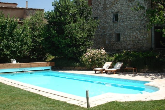 Alojamiento con piscina para 2 huéspedes