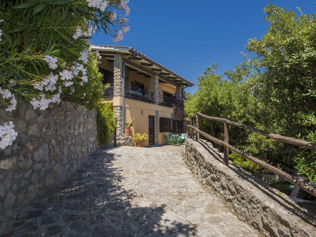 Alojamiento de 5 habitaciones en Orbetello