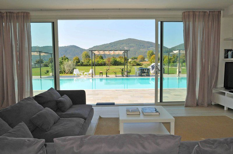 Hogareña vivienda de 300 m²