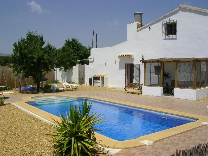 Self contained 3 bedroomed large farmhouse rental
