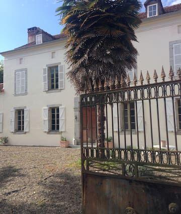 Casa grande cerca de Maubourguet / Marciac