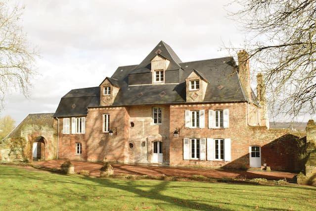 Alojamiento de 268 m² en Gournay-en-bray