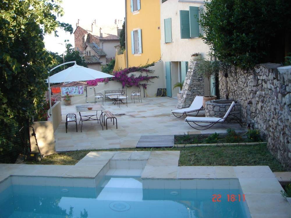 Residencia para 4 huéspedes con piscina