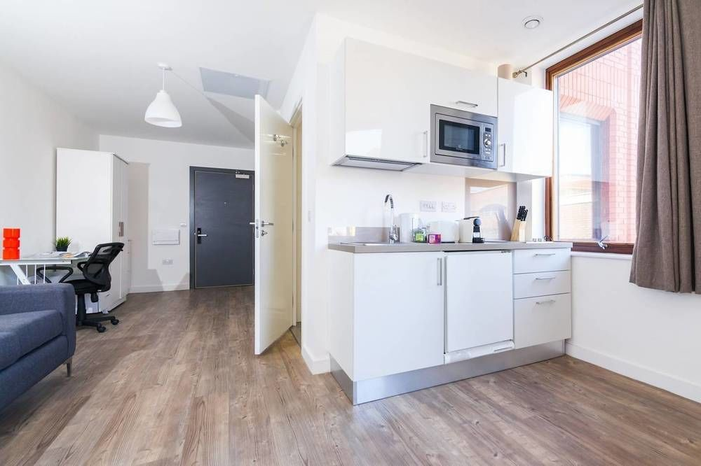 Fitted holiday rental in Liverpool