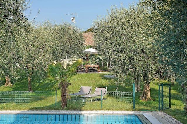 Alojamiento en Lido di manerba con piscina