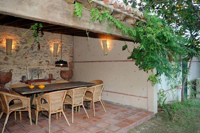 Una casa en una vieja casa de campo catalán, un oasis muy cerca de las playas