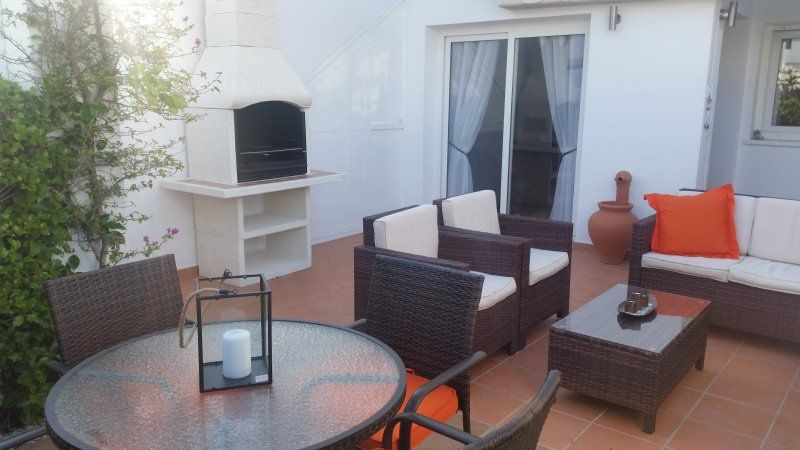 Beautiful modern fully equiped 3 bed apartment