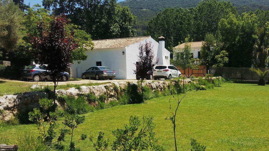 Casa rural con jardin privado en Cadiz  Parque Natural  de Grazalema Andalucia