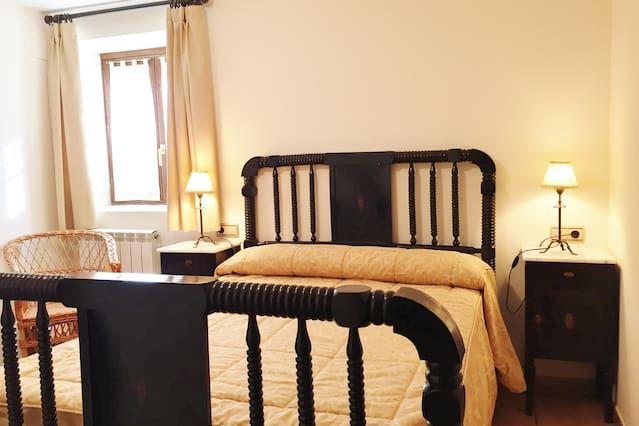 Unterkunft mit 2 Zimmern in Jaca