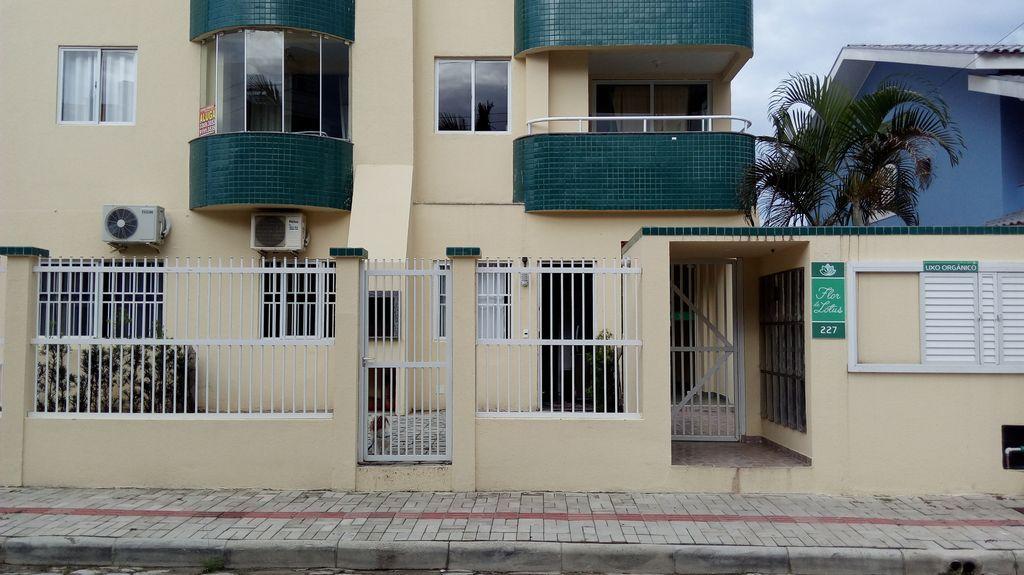 Provisto piso de 2 habitaciones