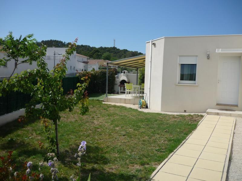 Villa moderna con Montpellier Puertas
