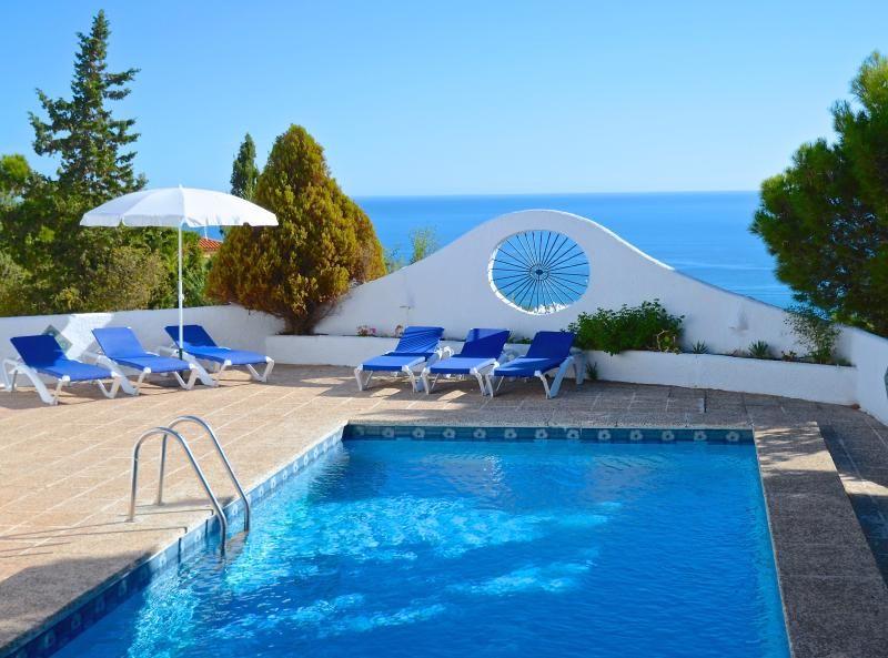 Villa de lujo situado en entorno tranquilo, piscina privada, Cancha de tenis compartida