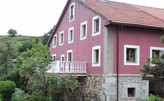 Alojamiento de 6 habitaciones en Guarnizo
