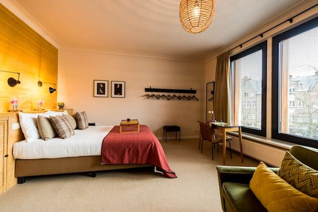 Aplace Antwerp: splendid third floor city flat with a gorgeous view - located in the fashion district area