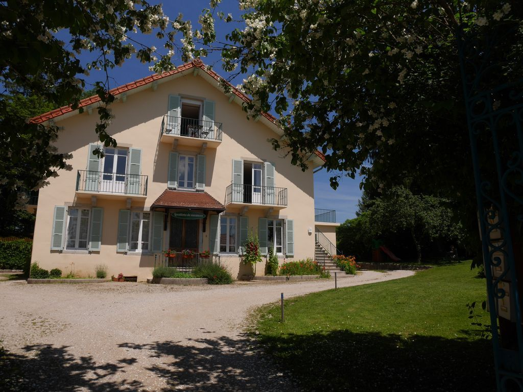 Apartamento con jardín en Clairvaux-les-lacs