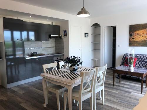 Alojamiento de 2 habitaciones en Cavalaire-sur-mer