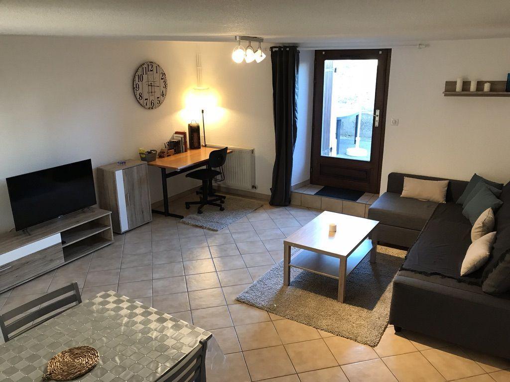 Apartamento de 75 m² con jardín