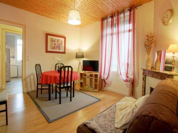 Residencia para 3 personas en Bizanos