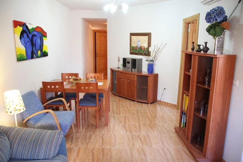 Apartamento a 3 km de Granada, cochera y wifi 4 G