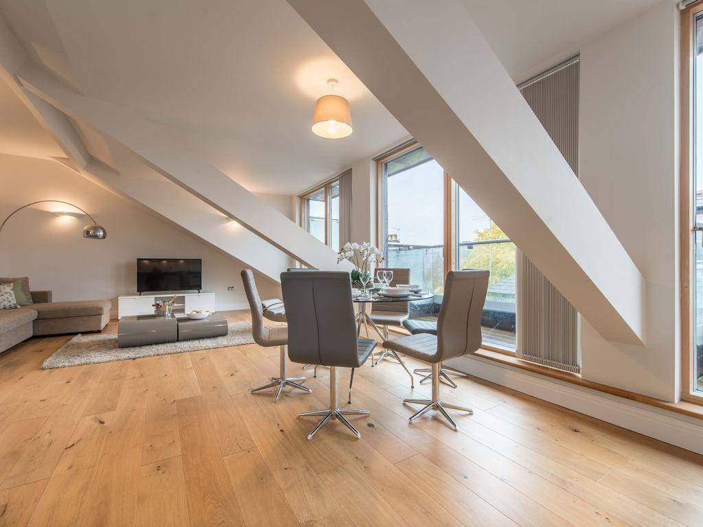 95 m² property
