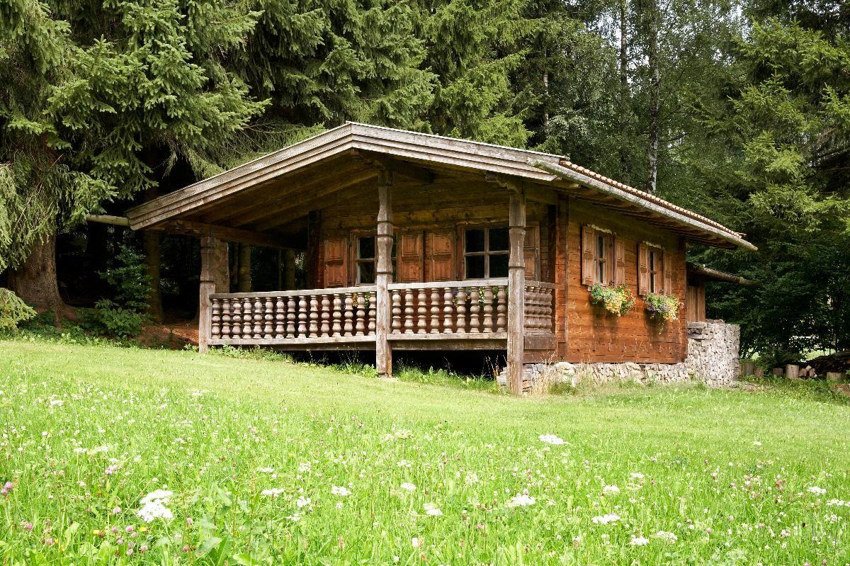 Gästehaus Apfelbacher (Spiegelau). Ferienwohnung Auerhahn