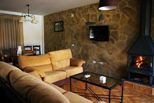 Provisto alojamiento en Cardeña
