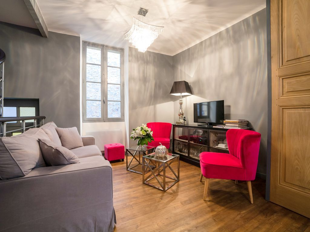 Exceptional quality 2 bd apartment in Sarlat, sleeps 2 - 6