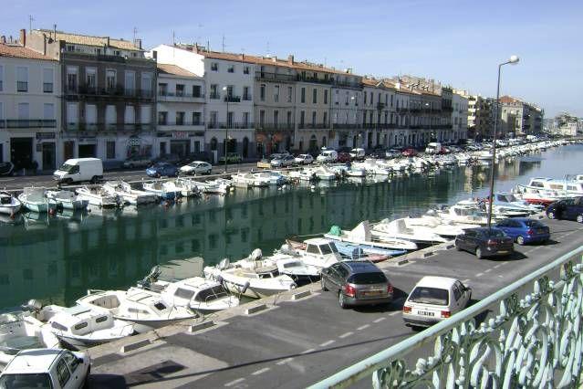 Apartment in Sète mit Balkon