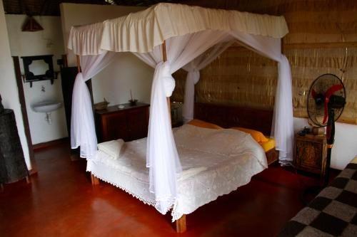Hotel La Pirogue