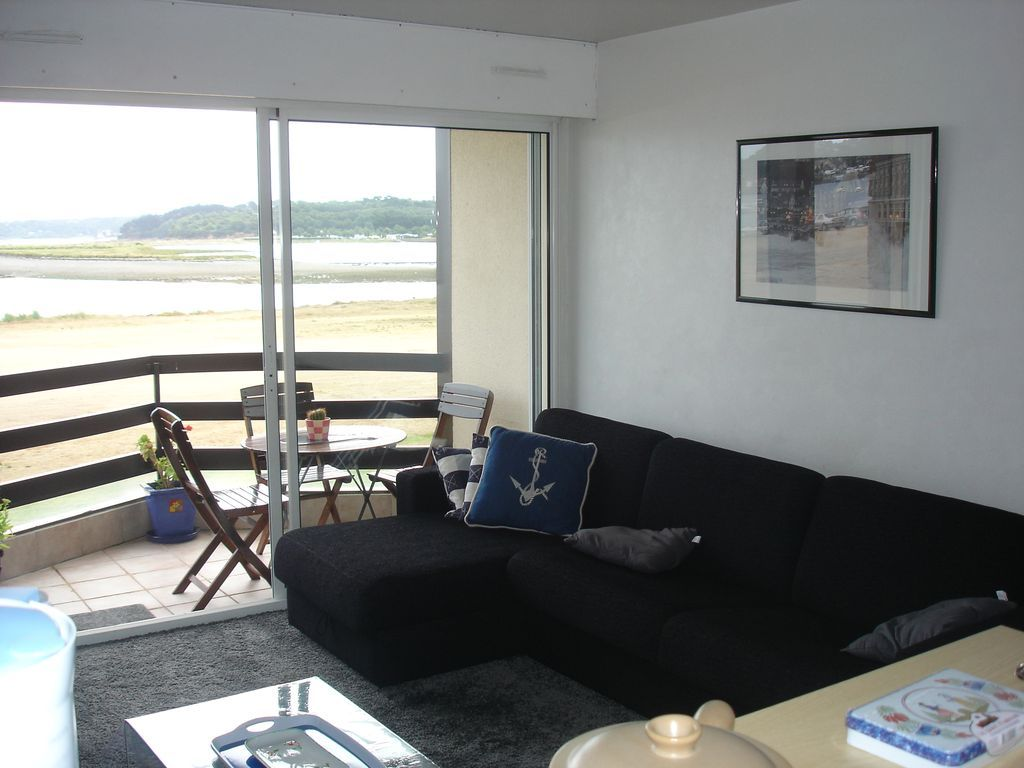 Holiday rental with balcony and 1 room