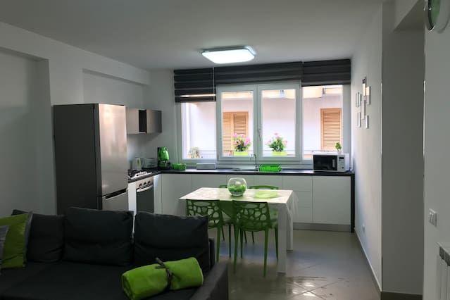 Residenza di 1 stanza con giardino