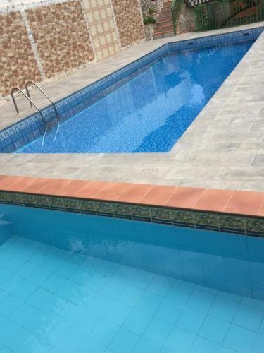 Con vistas alojamiento en Lanjarón