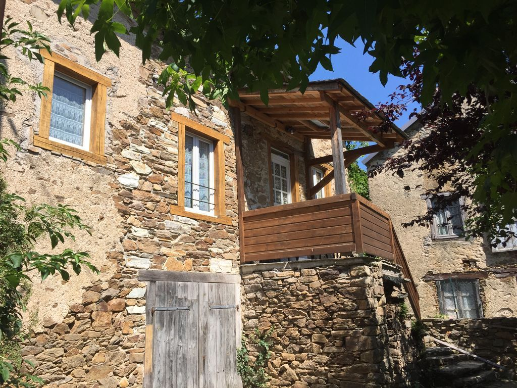 Casa con balcón de 2 habitaciones