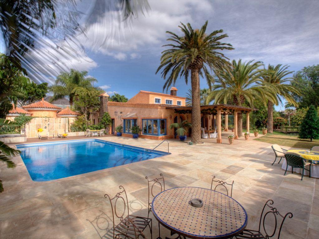 Casa con piscina de 7 habitaciones