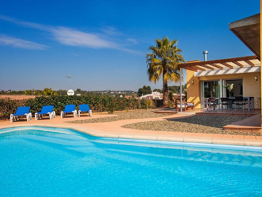 Apartamento con piscina de 3 habitaciones