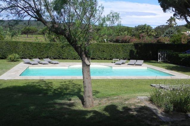 Nueva villa contemporánea entre St Tropez y Ramatuelle