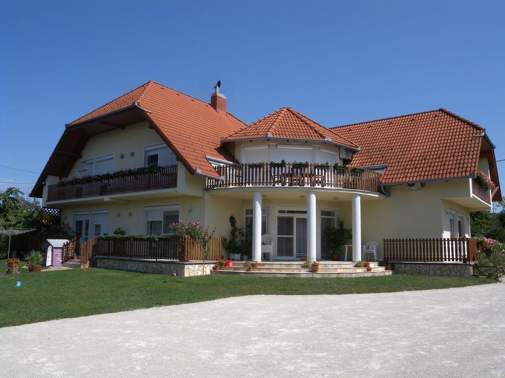 Extraordinary flat in Gyenesdiás