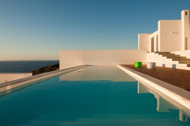 Tome ventaja de nuestros precios especiales para los paros - GV El Sunset Villa una villa frente al mar impresionante ingenio