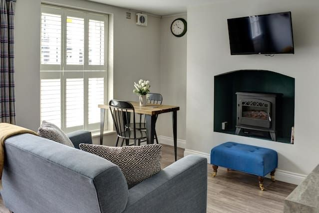 Apartment attractive in Cheltenham