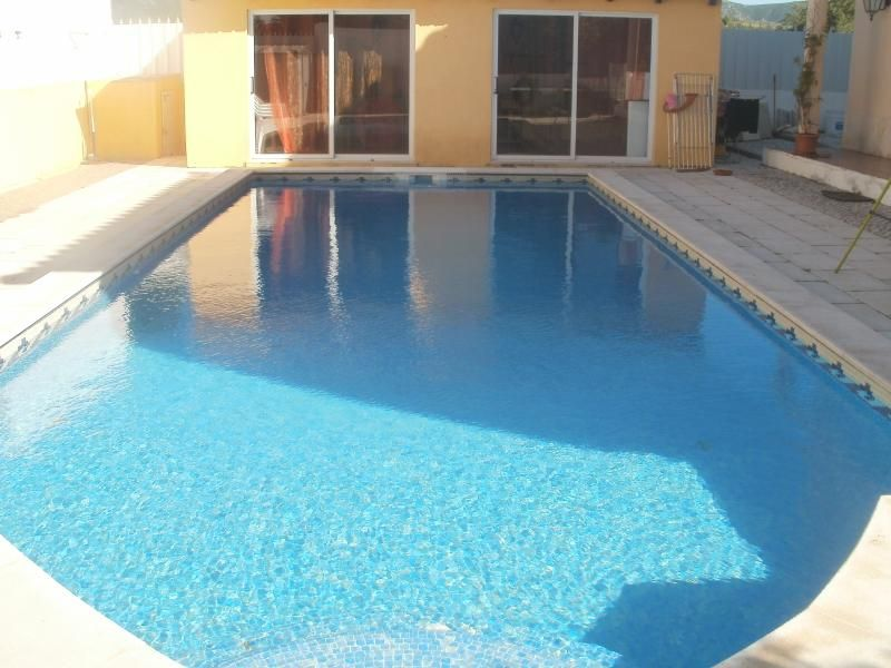 House for holidays near beach private garden/pool
