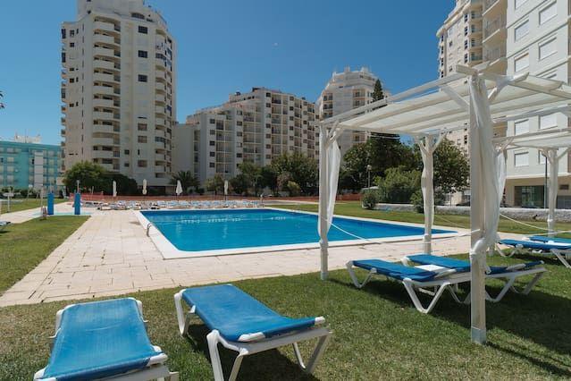 Property with 2 rooms in Armação de pêra