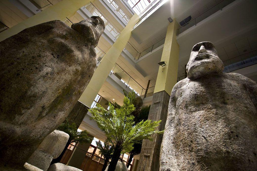 Estatuas polinesias del Holiday Polynesia de Benalmádena