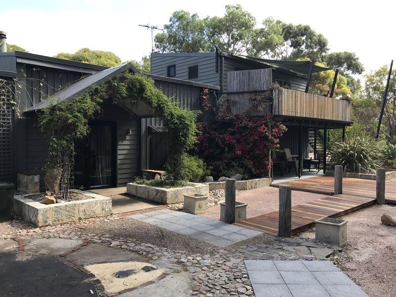 Alojamiento con todo lo necesario con jardín